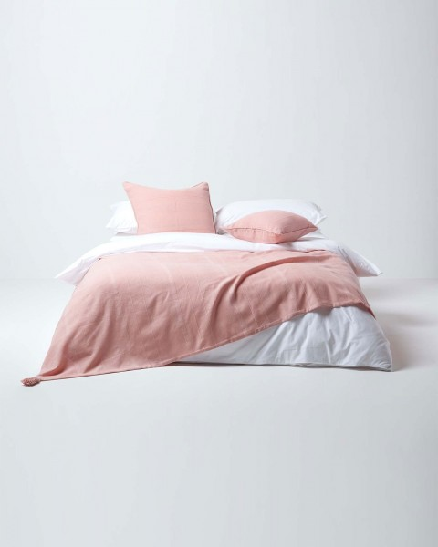 homescapes-pink-throw 1 18